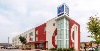 德克萨斯拉雷多 - 机场 6 号汽车旅馆 - 拉雷多 - 建筑