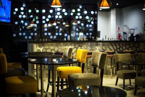 奇克拉约温德姆太阳海岸酒店 - 齐克拉约 - 酒吧