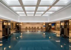 伊斯坦布尔金郁金香酒店 - 伊斯坦布尔 - 游泳池