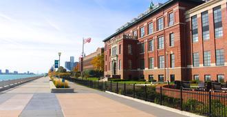 罗伯茨河滨城市度假酒店 - 底特律 - 建筑