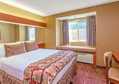 温诺克罗斯麦克罗套房酒店 - 诺克罗斯 - 睡房