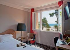 美丽海岸酒店 - 滨海阿热莱斯 - 睡房