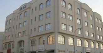 米丹套房酒店 - 马斯喀特