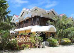 林匹亚海滩度假别墅酒店 - 洛阿伊 - 建筑