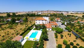 格拉萨酒店 - 埃武拉 - 游泳池