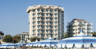特米那尔温泉皇宫酒店 - 里米尼 - 建筑