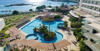 卡波湾酒店 - 普罗塔拉斯 - 游泳池