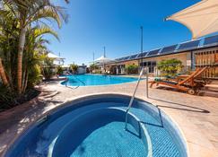 杰拉尔顿窝酒店 - 杰拉尔顿 - 游泳池