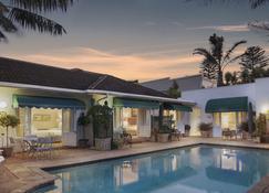 卡尔斯罗基厄之家酒店 - 伊丽莎白港 - 游泳池