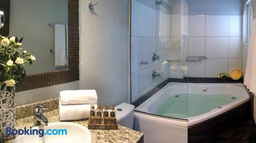 克里尼陪酒店-昂普日奥和Spa - 格拉玛多 - 浴室