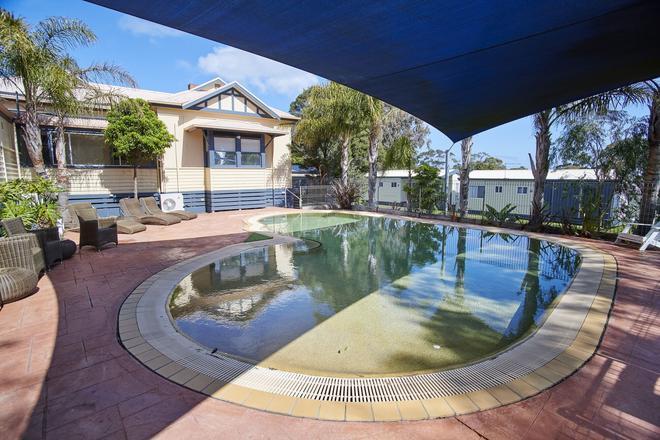 阿玛鲁公园酒店 - 菲利普岛 - 游泳池