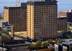 库克船长酒店 - 安克雷奇 - 建筑