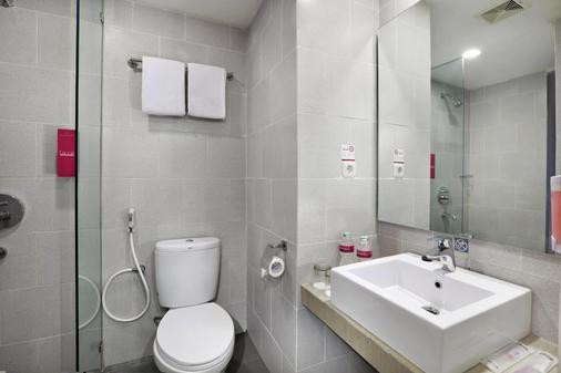 巴东奥罗菲芙酒店 - 巴东 - 浴室