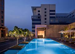 阿姆利则丽笙酒店 - 阿姆利则 - 游泳池