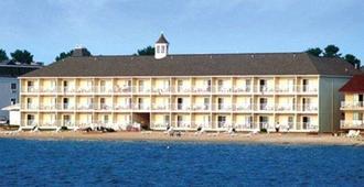 马琪那市湖滨凯富酒店 - 麦基诺城 - 建筑