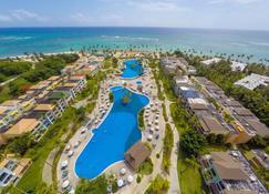 海洋蓝&沙滩度假村 - - 蓬塔卡纳 - 游泳池