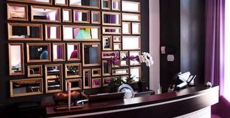 米拉克斯精品酒店 - 哈尔科夫 - 柜台