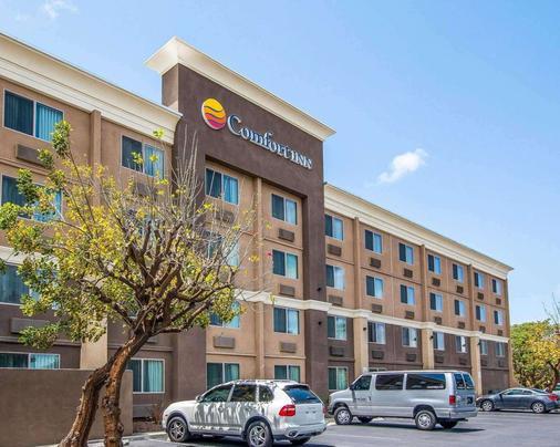 南圣迭戈朱拉维斯塔康福特茵酒店 - 丘拉維斯塔 - 建筑