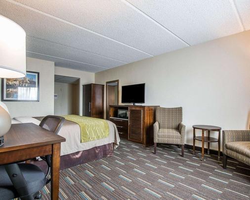 南圣迭戈朱拉维斯塔康福特茵酒店 - 丘拉維斯塔 - 睡房