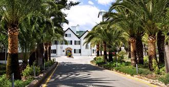 雷纳维多利亚加泰罗尼亚酒店 - 隆达 - 建筑