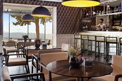 加泰罗尼亚伦达雷纳维多利亚酒店 - 隆达 - 酒吧