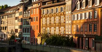 斯塔拉斯堡小法国阿德吉奥阿克瑟斯公寓式酒店 - 斯特拉斯堡 - 建筑