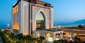 安塔利亚皇冠假日酒店 - 安塔利亚 - 建筑