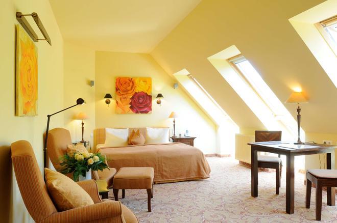 罗斯托克贝斯特韦斯特酒店 - 什未林 - 睡房