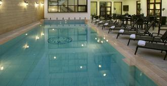 洛伊提克酒店 - 尼科西亚
