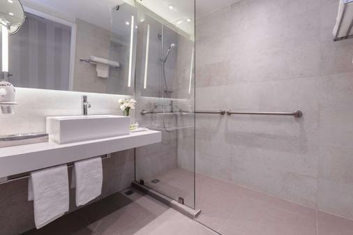 Nh蒙特雷拉菲酒店 - 蒙特雷 - 浴室