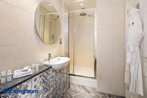 雪松庄园酒店及餐厅 - 温德米尔 - 浴室