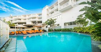 埃尔利海滩酒店 - 艾尔利滩 - 游泳池