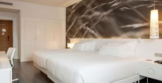毕尔巴鄂别墅nh系列酒店 - 毕尔巴鄂 - 睡房