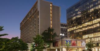 华盛顿特区水晶城皇冠假日酒店 - 阿林顿
