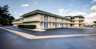 莱克兰 - 6号汽车旅馆 - 莱克兰 - 建筑