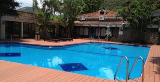 澳门竹湾酒店 - 澳门 - 游泳池