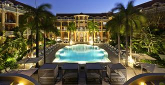 索菲特传奇圣克拉拉卡塔赫纳酒店 - 卡塔赫纳 - 游泳池