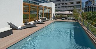 时间选择公寓式酒店 - 圣地亚哥 - 游泳池