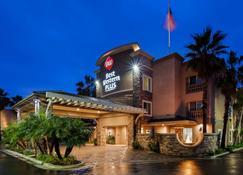 最佳西方plus海滨棕榈酒店 - 奥欣赛德 - 建筑