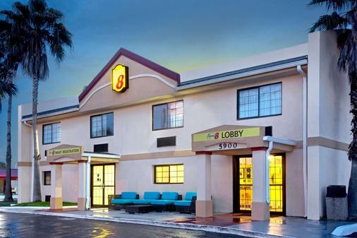 速8奥兰多国际大道北酒店 - 奥兰多 - 建筑