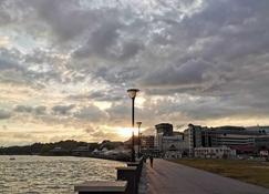 乐艺廊套房酒店 - 斯里巴加湾市 - 户外景观