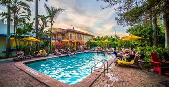 迈阿密写意酒店 - 迈阿密海滩 - 游泳池