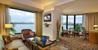 海洋广场酒店 - 孟买 - 客厅