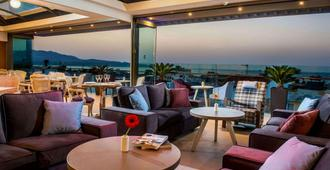 希腊帝堡城酒店 - 伊拉克里翁 - 酒吧