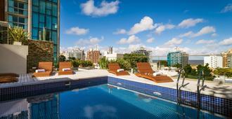 欧文蒙得维的亚酒店 - 蒙得维的亚 - 游泳池