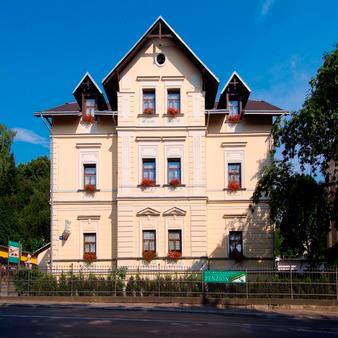茉莉公寓 - 利贝雷茨 - 建筑