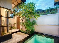 黑派尼别墅酒店 - 彭朗 - 游泳池