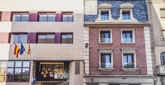 隆达雷赛布酒店 - 巴塞罗那 - 建筑