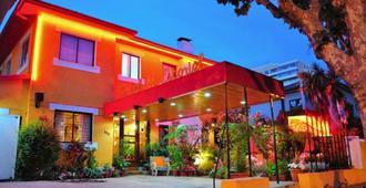 埃尔埃斯科里亚尔酒店 - 比尼亚德尔马 - 建筑