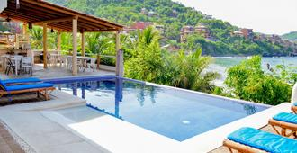 拉马德拉平房酒店 - 锡瓦塔塔内霍 - 游泳池